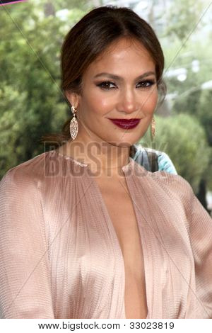 "LOS ANGELES - MAY 14:  Jennifer Lopez arrives at the ""What To Expect When You're Expecting"" Premiere at Graumans Chinese Theater on May 14, 2012 in Los Angeles, CA"