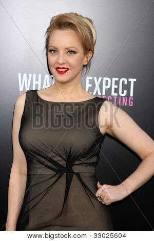 LOS ANGELES - MAY 14:  Wendi McLendon-Covey arrives at the