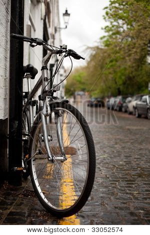 Push bike in London Mews