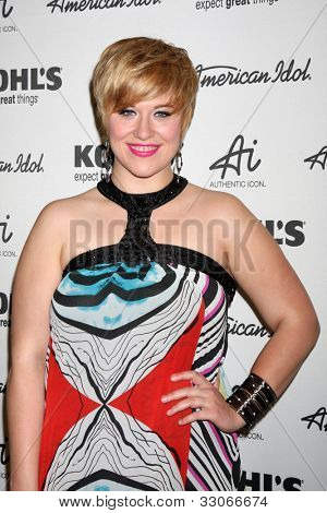 LOS ANGELES - MAY 16:  Erika Van Pelt arrives at the American Idol's