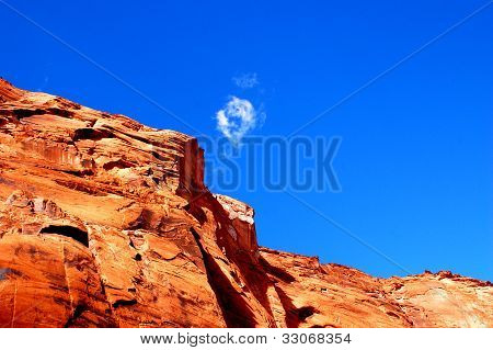 Red Canyon Rock & Wispy Cloud