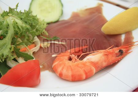 Gamba And Sliced Tunafish