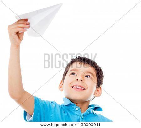 Menino segurando um avião de papel - isolado sobre um fundo branco