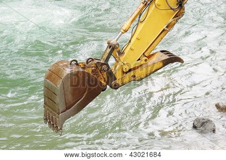 Water Trackhoe