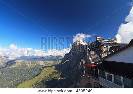Teleférico em Dolomitas