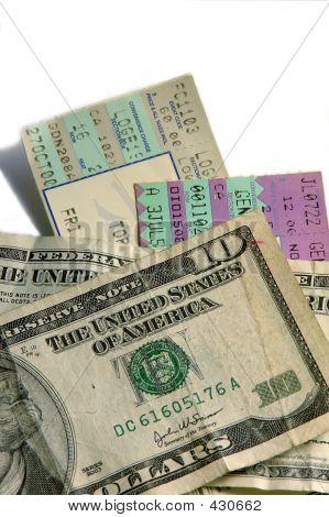 Entradas y dinero en efectivo