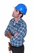 picture of average looking  - Bricklayer looking up - JPG