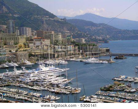 Monaco Enbarkment