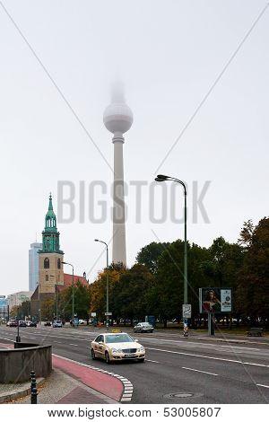 Karl-liebknecht-strasse In Berlin Autumn