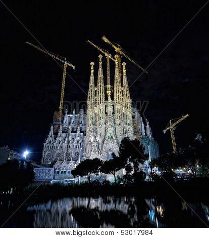 Basilica of La Sagrada Familia at night