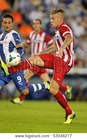 BARCELONA - OCT, 19: Toby Alderweireld of Atletico Madrid during a Spanish League match againts RCD Espanyol at the Estadi Cornella on October 19, 2013 in Barcelona, Spain