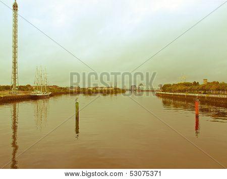 Retro Look River Clyde