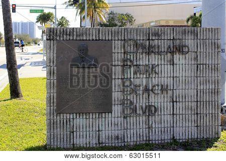 Oakland Park Beach Blvd Sign