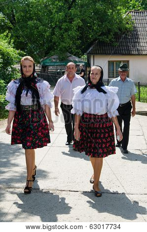 Women in national port, Romania