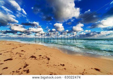 ocean, beach and sky on the sandy beach