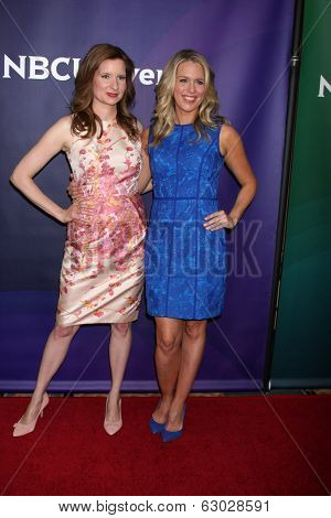 LAS VEGAS - APR 8:  Lennon Parham, Jessica St. Clair at the NBCUniversal Summer Press Day at Huntington Langham Hotel on April 8, 2014 in Pasadena, CA