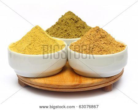 Henna Uptan Sandalwood Powder On Ceramic Bowl