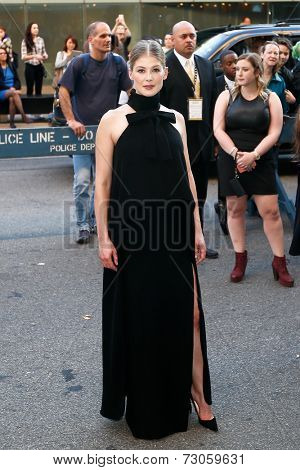 NEW YORK-SEP 26: Actress Rosamund Pike attends the world premiere of