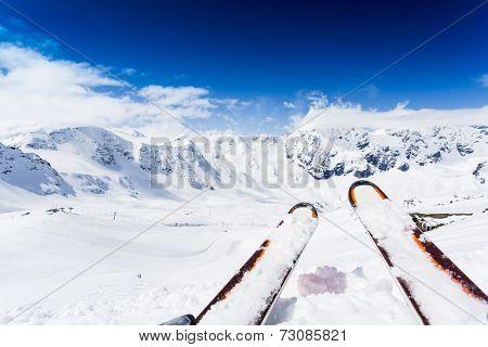 Skiing , mountains and ski slopes