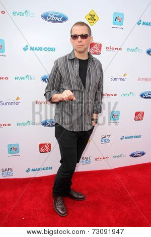 LOS ANGELES - SEP 28:  Jon Cryer at the 3rd Annual Red CARpet Safety at Skirball Center on September 28, 2014 in Los Angeles, CA
