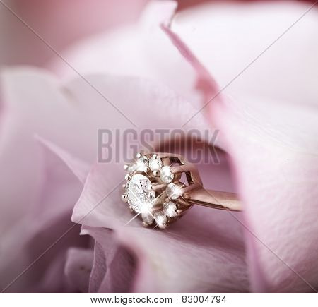 Engagement Ring With Diamonds In Rose