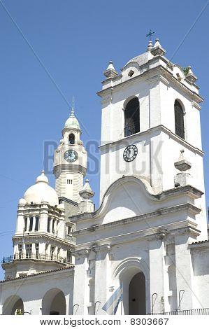 the cabildo building in Buenos Aires