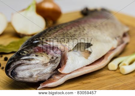 Fresh Salmon Trout With Bay Leaf, Black Pepper And Onion