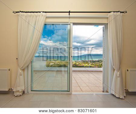 Window with ammaising viuw