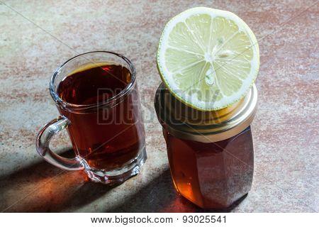 Black tea with lemon and honey