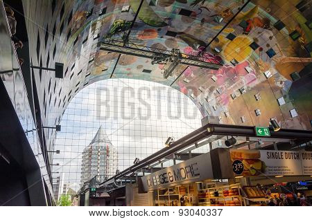 Rotterdam, Netherlands - May 9, 2015: Retail Shop In Markthal (market Hall) In Rotterdam.