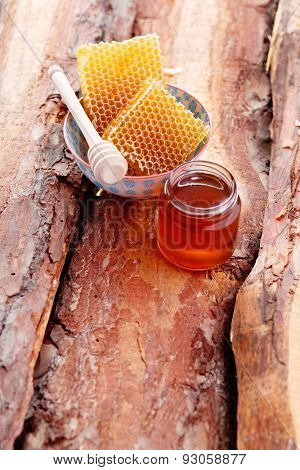 bowl of honey with honey comb - food and drink