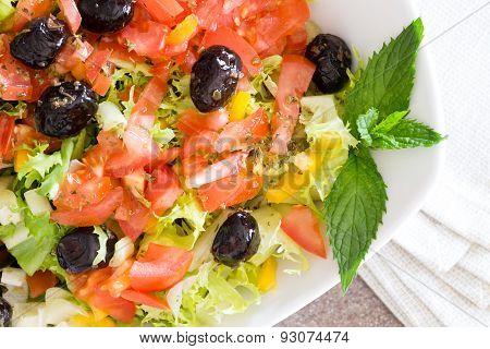 Healthy Farm Fresh Mediterranean Salad