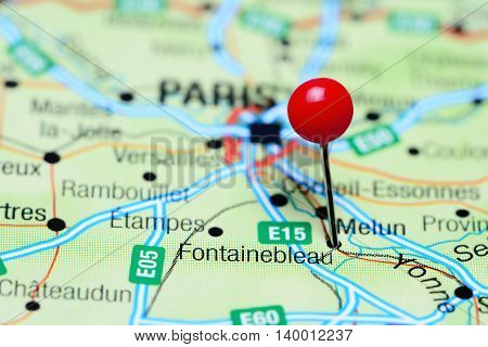 Fontainebleau pinned on a map of France