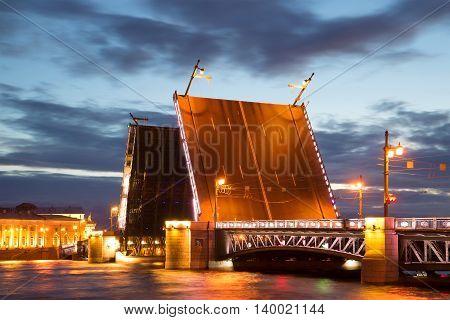 Divorced Palace bridge, white june night. Saint Petersburg, Russia