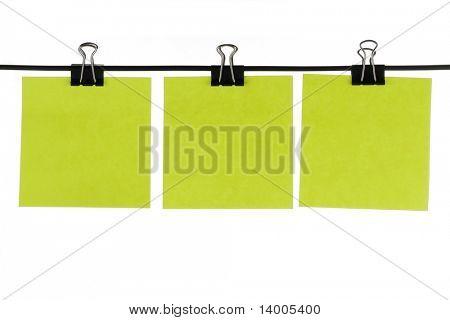 Grüne Blankopapier Erinnerungen auf Draht