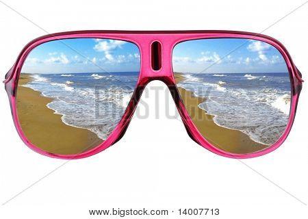 Moderne Gläser mit Meer-Reflexion