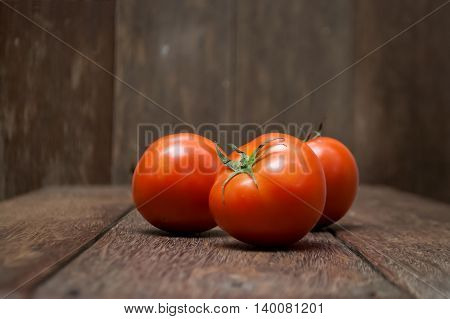 Tomato is native to western south america is grown worldwide for its edible fruits with tousands of cultivars.