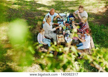 Outdoor eat