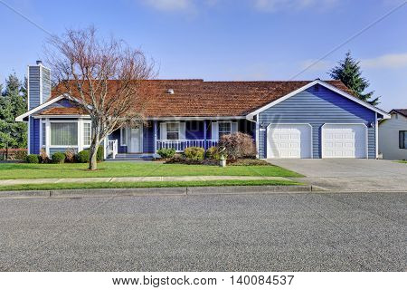 Curb Appeal One Level American House With Blue And White Trim