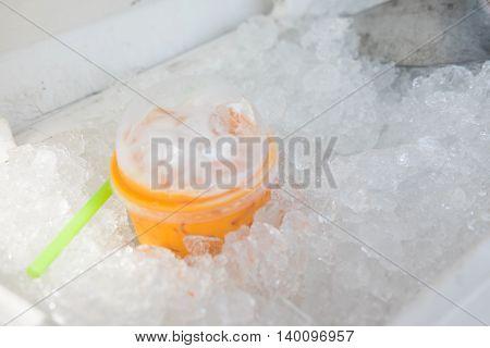 Ice Thai milk tea drink for summer in ice bucket