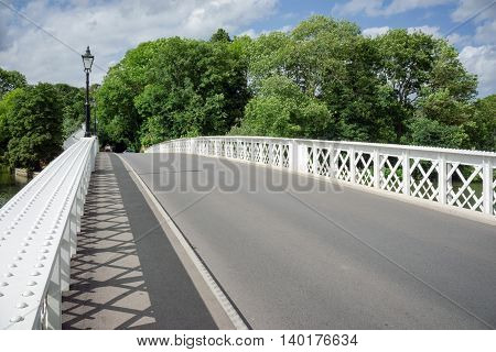 Whitchurch Bridge over the River Thames at Pangbourne