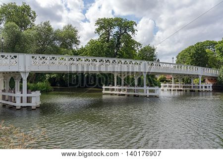 Whitchurch bridge over the River Thames at Pangbourne.