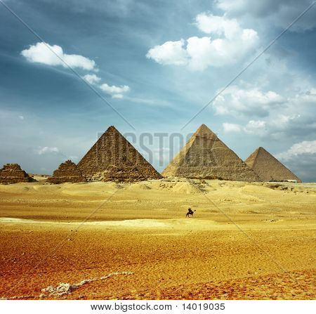 Grate pyramids in Giza valley