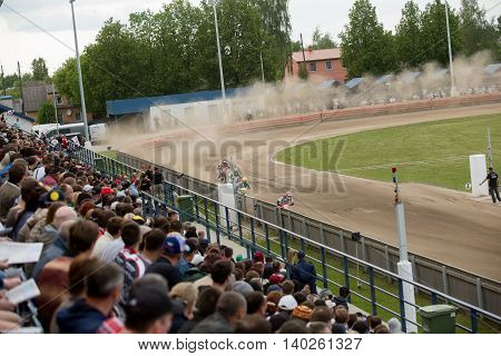 DAUGAVPILS LATVIA - Vfy 22 2016: Speedway riders on the track in match of polish NICE league Lokomotiv - Wlo?kniarz Cze?stochowa 51:39