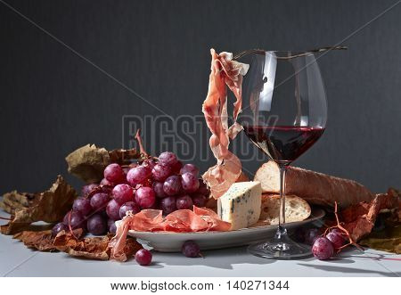 Jamon , Cheese And Red Wine
