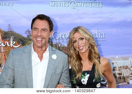 LOS ANGELES - JUL 27:  Mark Steines, Debbie Matenopoulos at the Hallmark Summer 2016 TCA Press Tour Event at the Private Estate on July 27, 2016 in Beverly Hills, CA