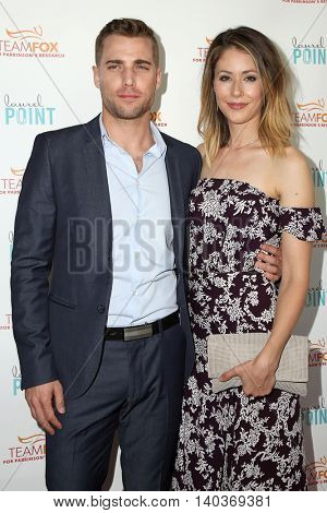 LOS ANGELES - JUL 27:  Dustin Mulligan, Amanda Crew at the