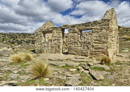 Abandoned miners house Bendigo South Island New Zealand