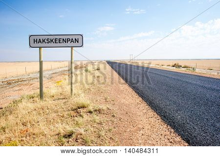 Road Through Haakskeenpan.