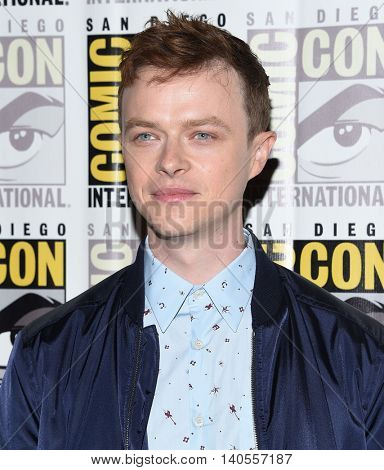 LOS ANGELES - JUL 21:  Dane Dehaan arrives to the Comic Con 2016 - Valerian and the City of a Thousand Planets PhotoCall on July 21, 2016 in San Diego, CA